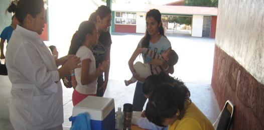 Vacunación Permanente en Centros de Salud