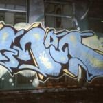 Si bien para algunos el graffiti sigue siendo un método de linde territorial, travesura o deporte extremo (correr de la policía es parte del deporte), para estos chavos es un poco de las tres, pero arte principalmente, el arte es el nervio de su designio.