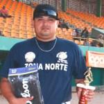 Víctor Hugo Sánchez, representando a la zona norte en el Juego de Estrellas, campeón del Derby de Jonrones.