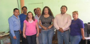 Un agradable convivio le organizaron el día de ayer sus compañeros de trabajo, a Maribel González Parra (Enrique Montaño).