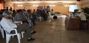 Representantes del Sindicato Nacional de Calamareros y Pescadores solicitaron incorporar a la ley de pesca la protección de sus derechos.