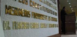 La historia política reciente en Baja California Sur tiene como antecedente principal el deseo de los sudcalifornianos por gobernar su estado natal en contraposición a las medidas del gobierno central de la República Mexicana, que consistían en enviar a generales a gobernar el entonces Territorio de Baja California Sur.