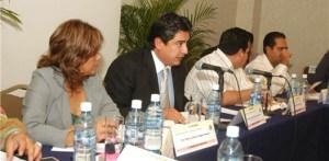 Francisco Karim Martínez Lizárraga, procurador de justicia, durante comparecencia ante diputados locales, donde dijo que se había abatido el rezago de expedientes, lo que es incierto.