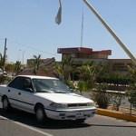 A punto de caerse este poste de alumbrado público ubicado en la avenida de Los Deportistas, ninguna autoridad interviene.(Eliseo Zuloaga)