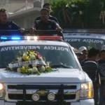 """Martín Bustos Rosales, policía que perdiera la vida en el accidente vial, ayer fue sepultado en el panteón """"Jardines del Recuerdo"""".(Víctor Martha)."""