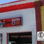 Bajo un distinto disfraz, el Bar Las Micheladas volvió a abrir sus puertas con la complacencia de las autoridades locales, que no han terminado las investigaciones del homicidio de Jonathan Hernández Ascencio.(Eliseo Zuloaga)