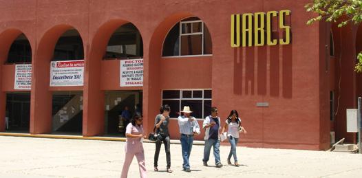 Admite rector de la UABCS uso indebido de recursos en la biblioteca