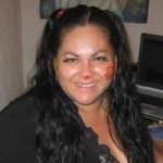 Nacida en la Ciudad de La Paz B.C.S, el 15 de marzo de 1970, creció con un ímpetu extrovertido y una gran inclinación al arte y las ciencias sociales, mucho de ello se lo debe a su madre, la doctora en ciencias Rossana Almada, quien fomentó en su hijas las bases que la convertirían en la gran mujer que es ahora.