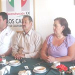 Representantes del Partido Revolucionario Institucional en rueda de prensa luego de felicitar a representantes de los medios de comunicación por su trabajo, señalaron que aún están a la espera de la denuncia presentada sobre los 9 mil guerrerenses que no aparecen y los 5 mil con credenciales borrosas (Lupita Gómez)