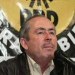 El exgobernador del estado Leonel Cota Montaño, no es imprescindible para el PRD por lo que sus expresiones de posible ruptura con el perredismo sudcaliforniano, son de su propia responsabilidad, afirmó el dirigente estatal de este partido Adrián Chávez Ruiz.
