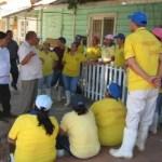 Trabajadores de la pesquera Longing en Santa Rosalía realizaron una manifestación en contra de los chinos por abuso, maltrato, explotación y violación a los derechos humanos y laborales (Germán Cota).