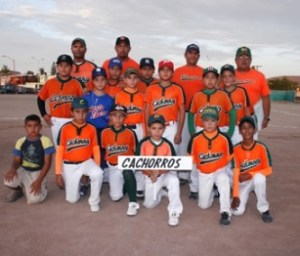 Los Cachorros del profe Antonio Avilés abrieron con triunfo en el Interclubes de beisbol infantil, hoy se verán las caras ante el otro equipo local Marineros del profe Alberto Pérez.