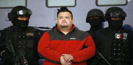 Continúa SIEDO investigando a funcionarios por protección a narcos