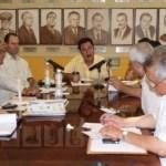 Acompañado del secretario de Finanzas José Antonio Ramírez Gómez, el gobernador Narciso Agúndez encabezó una reunión de gabinete para evaluar el desarrollo de obras en proceso que serán inauguradas en el marco del Bicentenario de la Independencia y el Centenario de la Revolución Mexicana.