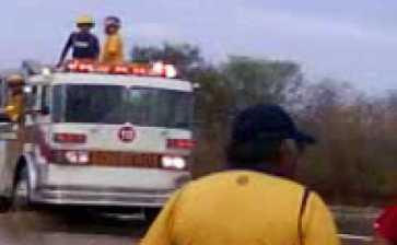 Lo sorprendieron desmantelando un camión de bomberos