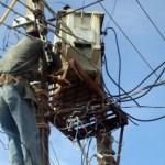 El ingeniero Sergio Armando Fierro, titular de la Comisión Federal de Electricidad, señaló que iniciarán de nueva cuenta con los operativos para retirar los diablitos (Lupita Gómez)