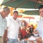 El licenciado Héctor Alejandro Aréchiga, recibió su constancia como precandidato a la Presidencia Municipal de Los Cabos por el Partido Convergencia (Lupita Gómez)