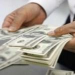 Los bancos recibirán un máximo de cien dólares por transacción bancaria, o hasta 7 mil dólares al mes, en el caso de cuentas empresariales.