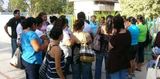 Protestan padres contra guarderías oficiales, temen tragedia como la de Sonora