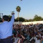 Así protestaron los casi mil perredistas que abandonaron públicamente ayer al PRD en Los Cabos y en el Estado.