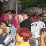 Los simpatizantes, en su mayoría mujeres, algunos portando camisetas con leyendas de apoyo tanto de Luis Armando Díaz como del precandidato a la presidencia municipal de La Paz, Ricardo Gerardo Higuera se apostaron en la entrada principal de la sede perredista, y adelantaron que no se moverán de ese lugar