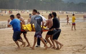 Muere turista ahogado en Playa Pelícano