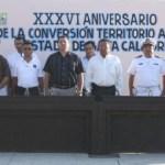 También en Cabo San Lucas, estudiantes, autoridades civiles y del sector naval, encabezaron los honores por BCS, como Estado Libre y Soberano.