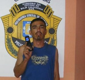 Detienen Al Cone por robarle el celular a una mesera