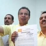 Luis Armando Díaz presentó este sábado su registro como candidato del Partido de la Revolución Democrática al Gobierno de Baja California Sur