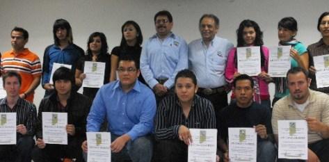 UABCS reconoció a los alumnos del Área de Conocimiento de Ciencias Agropecuarias que obtuvieron los mejores promedios en el semestre 2010-I.