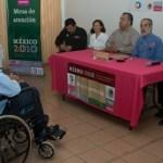 El día de ayer en las oficinas de SEDESOL, se llevó a cabo la entrega de la medalla conmemorativa al bicentenario a tres beneficiarios del programa de apoyo a adultos mayores, quienes alcanzan la edad de los 100 años.