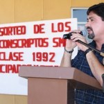 El Secretario General del Gobierno Municipal, Homero Davis Castro, el pasado domingo en la explanada del Palacio Municipal certificó la asignación de 1 mil 499 jóvenes registrados para realizar su servicio militar.