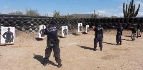 Los elementos participantes realizaron tiro de cuadro de reacción con arma corta calibre 9 mm y 0.40 mm, en ejercicios de 5, 10,15 y 20 metros de distancia, así como tiro de reacción con arma larga calibre 0.223 mm, en ejercicios de 20 y 25 metros de distancia.