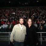 """Al menos 450 personas, asistieron el día de ayer a presenciar el estreno del documental """"Baja all exclusive"""" dirigido por Carmina Valiente."""