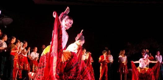 Gran espectáculo ofreció el Ballet de Amalia Hernández