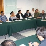 """Covarrubias mencionó la importancia de que cada sector empresarial y los grupos de la sociedad aporten su grano de arena """"porque es mejor escuchar de viva voz de los sectores lo que Baja California Sur necesita""""."""