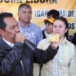 """Hay quienes tienen su gaviota, otros tienen su usurpadora, pero el PRD y PT tienen su cumplidora porque este proyecto sí tiene la convicción de trabajar por y para la gente, expresó el candidato a la gubernatura de la coalición """"Sudcalifornia para todos"""", Luis Armando Díaz."""