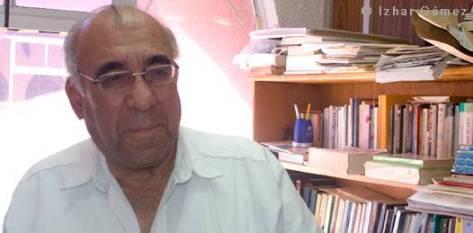 El doctor en Filosofía y Profesor-Investigador de la Universidad Autónoma de Baja California Sur (UABCS), Rubén Salmerón, opina acerca de distintos tópicos que en este momento nos rondan a todos los ciudadanos, tales como política, empleo y educación.