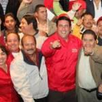 """Los dirigentes de la CROC en Los Cabos dijeron a Ricardo Barroso Agramont que los representantes de la estructura política y sindical le ayudarán a ser gobernador, pero que considere un espacio en su gobierno para gente de la organización, """"dejando atrás el pasado, vamos a estrechar la mano del partido y sus candidatos"""", diría Díaz Pinedo a los crocistas, estando presente la candidata a diputada por el VIII distrito Antonieta Serna."""