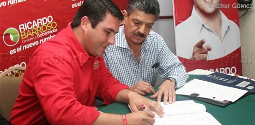 Ante Notario, firma Ricardo Barroso sus compromisos encaminados a mejorar las condiciones de vida de todos los sudcalifornianos