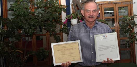 Nombran Caballero en la Orden de las Artes y las Letras a Rubén Sandoval