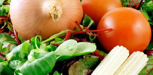 """""""Por las heladas"""", aumentan precios de frutas y verduras en mercados públicos"""