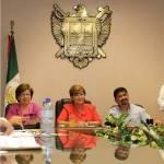 Entre el calor, las preguntas incómodas de la oposición y un enorme desglose numérico de la cuenta pública, la alcaldesa Rosa Delia Cota Montaño presentó el punto de acuerdo para aprobar el envío de la cuenta pública complementaria, correspondiente al 2010.
