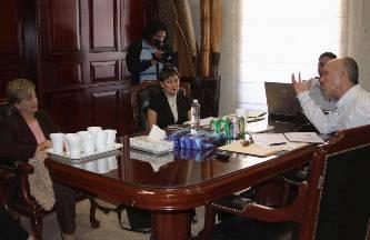Se reúne el director de Instituto de Transparencia con funcionarios municipales