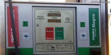 """Mencionó que el hecho de que la gasolina suba constantemente, al menos genera un consumidor crítico que pone atención en lo que consume. """"Esta variable nos da una condición para que podamos tener un consumidor más atento, más cuidadoso, más exigente en el servicio que se le presta""""."""
