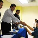"""El M. en C. Javier Gaitán Morán, Rector Interino de la UABCS, clausuró el Diplomado y Curso Especial de Titulación """"Mercadotecnia y atención a clientes""""."""