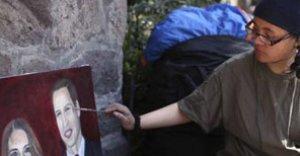 Le resultó la huelga de hambre: irá a la boda real