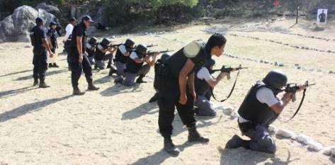 En el 2010 se registraron en BCS 10 ejecuciones; mientras que en Chihuahua 4,662, y cuentan con 3 policías, en promedio, por cada mil personas; Sinaloa, segundo lugar en ejecuciones, registró 1,730 muertes, mientras cuenta con un promedio de 3.05 elementos por millar de individuos.
