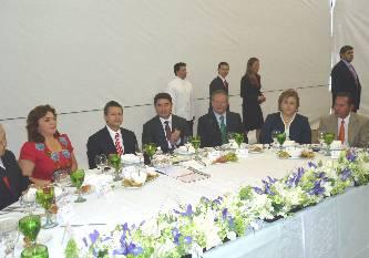 Distingue Peña Nieto a Esthela Ponce por sus resultados electorales