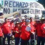 La organización que se hace llamar Promotora Independiente para la Organización de los Trabajadores sudcalifornianos presentó ayer un contingente alternativo al orden del día en el desfile del día del trabajo.